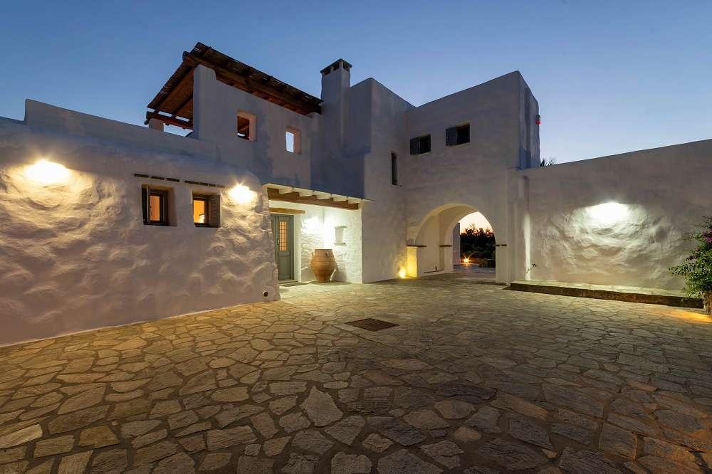 villa-aurora-paros-greece